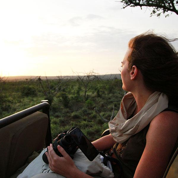 THANDA TENTED CAMP<br> An iPhone-only Safari