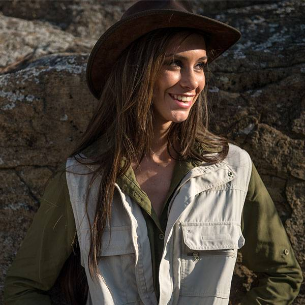 What to Wear on Safari: Quick Guide to Safari Colours
