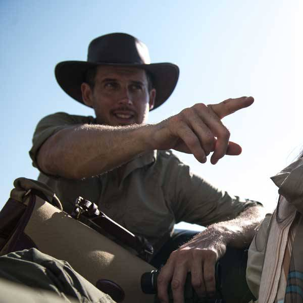 Why Safari Clothes are the Best Clothes for Farmers