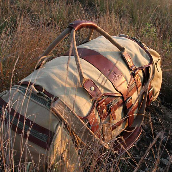 <i>THE</i> BUILD-YOUR-BAG HOLDALL<br>Mara&Meru™ Voyager<br /><u>Shop now</u>