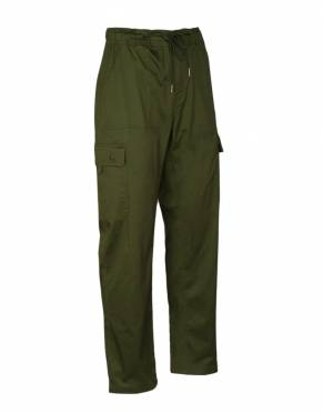 Safari tones are a classic addition to any wardrobe. In Forest, these cargo trousers are safari-suitable and stylish wherever you wear them