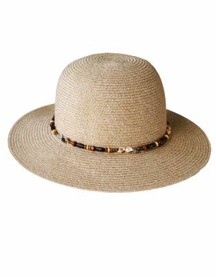 We recommend wearing safari-friendly, neutral colours on safari. In Winter Grass, this hat looks great on safari and for daily wear.