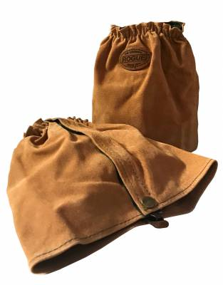 We recommend wearing safari-friendly, neutral colours on safari. In tan leather, these ankle gaiters are suitable for walking safaris and any outdoor activity.