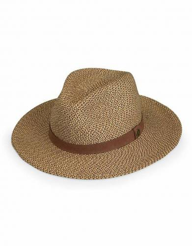 We recommend wearing safari-friendly, neutral colours on safari. Pictured here in Brown, this perennially stylish colour is suitable for safari and daily wear.