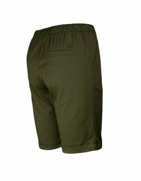 The rear view of the Serengeti Women's Safari Shorts in Forest. Fashioned on an upmarket Bermuda shorts design, they are safari-suitable and stylish.