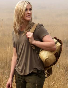We recommend wearing neutral colours on safari. In Safari Earth, this T-shirt is suited to safari activities and is a natural tone for your everyday wardrobe.