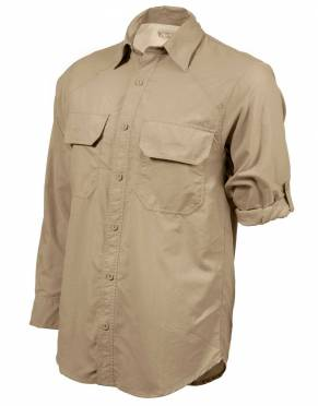 We recommend wearing safari-friendly, neutral colours on safari. Pictured here in Baobab, this perennially stylish colour is suitable for safari and daily wear.