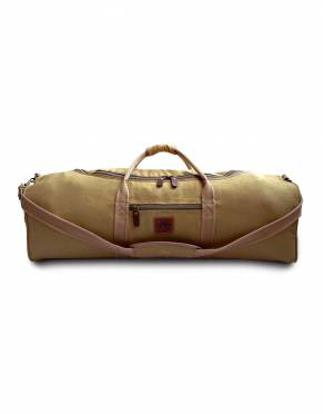 The Traveller is also available in Khaki Tan - a shade darker than the Safari Tan option. This safari hue is a classic colour choice for African adventures