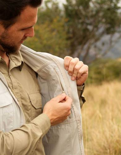 For your added convenience, keep your valuables close at hand with the zipped security pocket on the inside of the gilet.