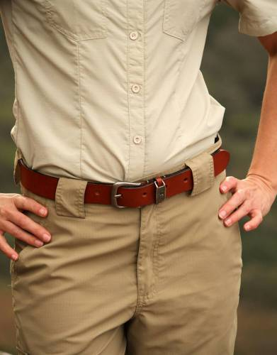 Diversify the way you wear your trousers and shorts and get the perfect fit by pairing your Zip-Off Trousers with your favourite belt.