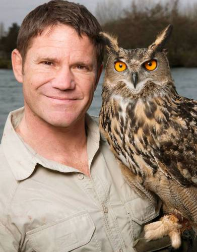 BAFTA-winning English naturalist, writer, and television presenter Steve Backshall wearing the Rufiji™ MaraTech™ SafariElite Shirt.