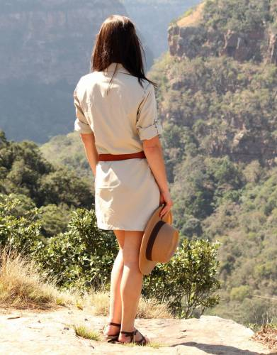 Combined with its elegant safari look, the Rufiji Safari Shirt Dress is easily adapted to wear daily – a great crossover dress for every part of the outdoor woman's life.