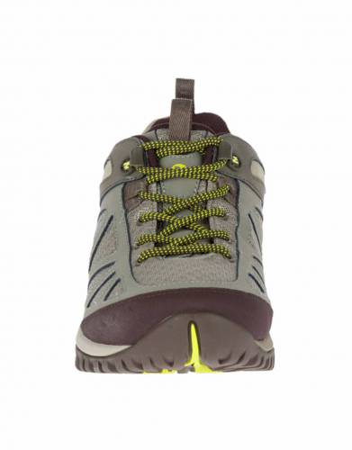 With metal hook and eyelet lacing and a thick bellows tongue, these walking shoes give you a snug, secure fit and keep debris out on long days on the trail.