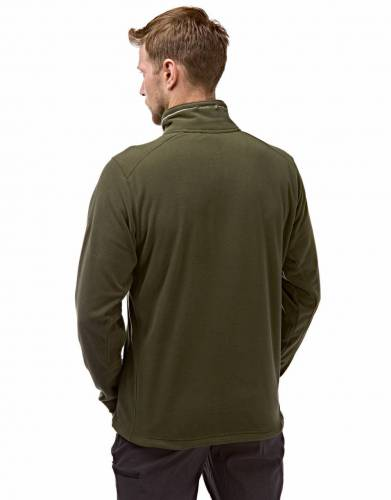 Lightweight and warm, this fleece offers comfort and insulation for when it gets cold on safari and outdoor adventures.