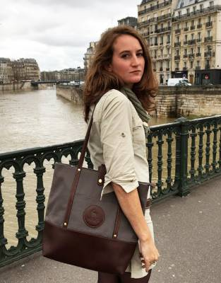 Style-tested in Paris, the classical styling of the Mara&Meru™ Safari Tote was right at home in one of the style capitals of the world.