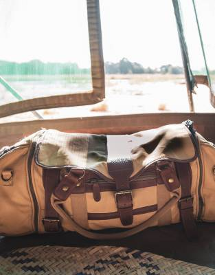 Catherine Allen sent us this photo of her Mara&Meru™ Safari Voyager Bag in South Luangwa National Park