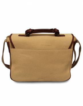 The back of the satchel has an open sleeve pocket for convenient storage of your documents, diary, or notebook.