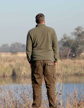 Safari-tested in Namibia, these trousers are the perfect choice for early mornings and winter days on safari.
