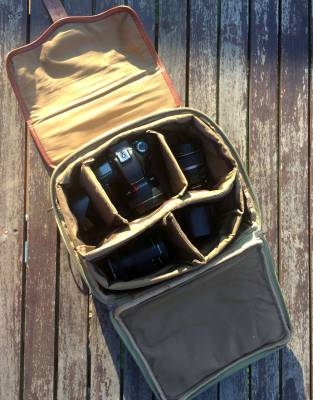 Customise your bag to suit your camera gear using the 4-in-1 Bag's adjustable velcro compartments.