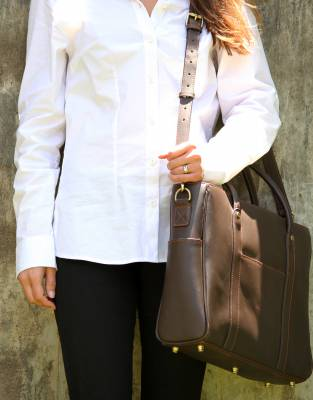 In smooth, rich leather, the elegant styling of the Mara&Meru™ Business Bag creates a lasting impression and is wholly practical as a handbag, briefcase, or laptop bag.