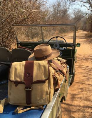 Safari style never goes out of fashion and the classic design of the Mara&Meru™ Panama Safari Hat is at home in Africa and everywhere.
