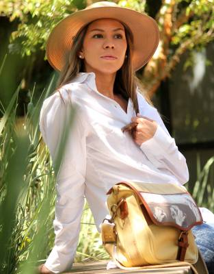 As part of your everyday wardrobe or paired with the Mara&Meru™ Boyfriend Shirt around the lodge on safari, the Panama Hat provides heightened safari style and elegance to your African and warm-weather travels.