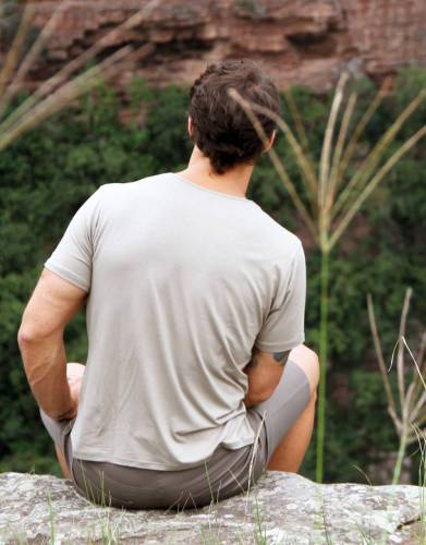 This tee only weighs 280g which makes it great for outdoor activities such as hiking and climbing.