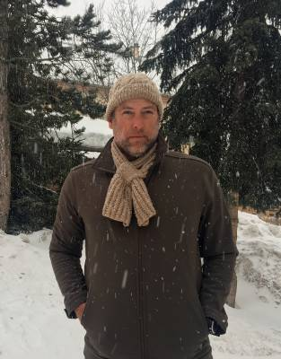 Expedition-tested by Steve in winter in the French Alps, the Thusk™ Bow Scarf was warm and stylish in equal measure in icy conditions.