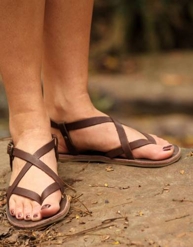 Made from comfortable, soft genuine leather, the thongs secure around your feet for secure and comfortable wearing.