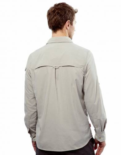 The vented back on this shirt increases air-flow and keeps you cool in warmer temperatures