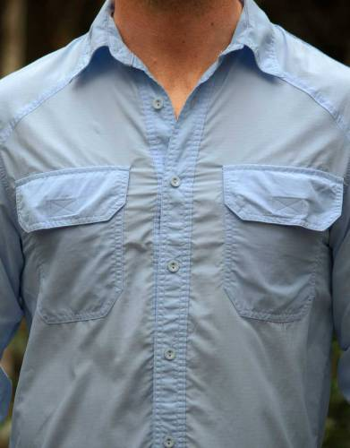 The double chest pockets with Velcro closure for easy access are functional, handy, and complement the overall styling of the shirt.
