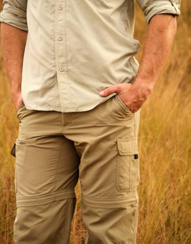 The multi-pocket design of these trousers are a useful design feature and can be enjoyed when worn as trousers and as shorts.