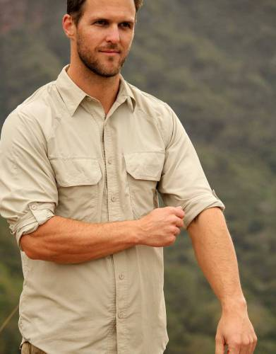 Long sleeves are the best choice for safaris. Roll up and secure the sleeves of this long-sleeved shirt for flexibility and convenience. The tabs secure the sleeves when they're rolld up but remain hidden when sleeves are down.