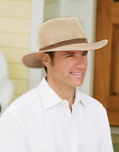 If you are going on safari - or to any warm-weather destination - a hat is an essential packing item. Made from 100% paper braid, this hat offers UPF50+ protection.
