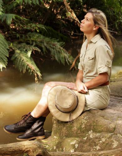 Achieve appealing all-round safari style by pairing these unisex boots with our specially-developed safari clothing range for African travel and all outdoor adventures.