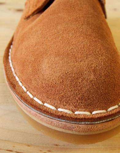 These shoes are made from comfortable cow suede hide, calf lining, and leather in-sole. The thinner sole of these shoes is made from non-natural crepe