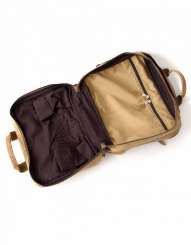 With a range of internal pockets and compartments, the Tracker Bag offers mobile efficiency as a field bag and for work and travel.
