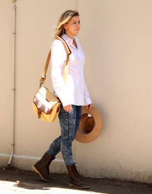 Paired with the Rufiji™ APU Boots and the Mara&Meru™ Panama Hat, the Boyfriend Shirt serves to create a unique urban safari look.