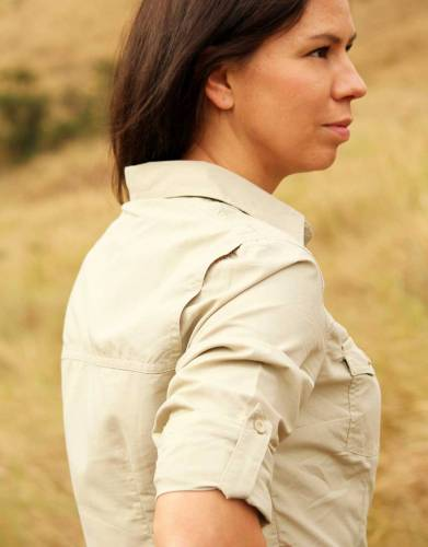 The +Vent system is discreetly hidden along the back top seam and increases airflow within the shirt - keeping you cool on those hot days on safari and outdoors.