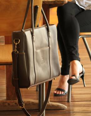 The modern professional is never far from his or her work bag. The Mara&Meru™ Business Bag is an investment in business style you will use and love every day.
