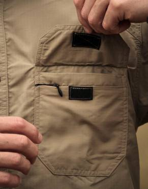This shirt has two chest pockets with Velcro closure and one zipped security pocket for extra travel convenience.