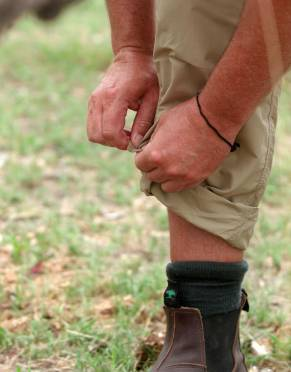Convert these safari trousers into a pair of three-quarter outdoor pants by rolling up the legs and securing with the hidden internal button and tab system.