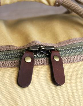 The YKK zips have soft leather tabs which makes zipping and unzipping easy on the hands. The zips are also lockable for peace of mind whenever your bag is out of sight on your travels.