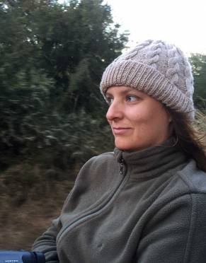 Safari tested by our photographer, Tania, who wore the Rufiji Essential Safari Fleece on a winter game drive at Phinda