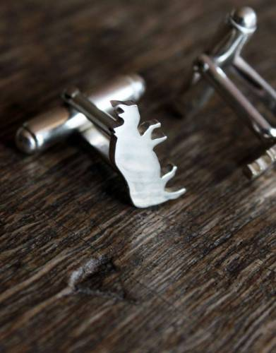 The Mara&Meru™ black rhino cuff-links lets you take a little piece of Africa to the office or out to dinner.
