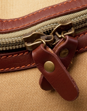 Our new, unique, lockable zips make securing the main compartment and end pockets very easy to do.