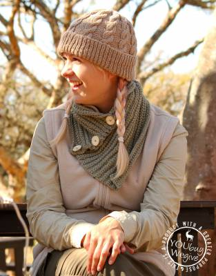 Thusk™ Knitted Button-Scarf