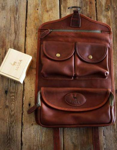 Mara&Meru™ Leather Selous Washbag, with wooden soap box