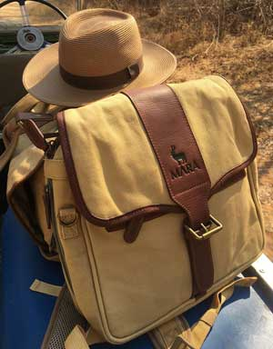 3-in-1 Canvas and Leather Pannier Bag for Farmers' Binoculars