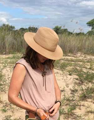 Serengeti Women's SPF Wide Brim Hat for Farmers' Sun Safety